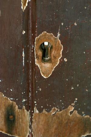 Old_key_hole